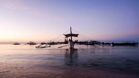 在Panglao海滩的日出 免版税图库摄影