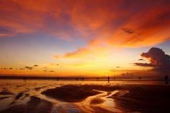 在Pantai 66,巴厘岛的日落 免版税库存图片