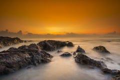 在Pantai Pandak,登嘉楼马来西亚的日出 库存图片