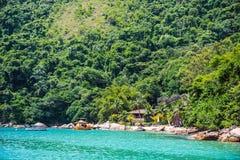 在Paraty,巴西附近的海滨别墅 免版税库存照片