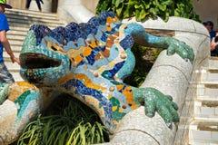 在Parc Guell,巴塞罗那的马赛克蝾 免版税库存图片