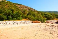 在Parque自然da Arrabida的Portinho da Arrabida海滩 图库摄影