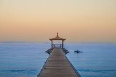 在Pasir Putih海滩, situbondo的Dermaga 免版税库存图片