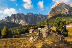 在Passo Pordoi,白云岩,意大利的Sella小组 免版税库存照片