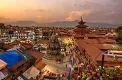 在Patan Durbar广场的日落在加德满都,尼泊尔 免版税库存图片