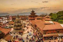 在Patan Durbar广场的日落在加德满都,尼泊尔 免版税库存照片