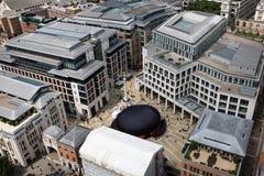 在Paternoster广场,伦敦,英国的圆顶硬礼帽 免版税图库摄影