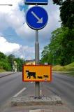 在Pelle Svanslös Hus,乌普萨拉,瑞典附近的路标 图库摄影