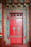 在Pemayangtse修道院的门,锡金,印度 库存图片