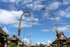 在Penglipuran村庄附近,一个偶象传统邻里 免版税库存照片