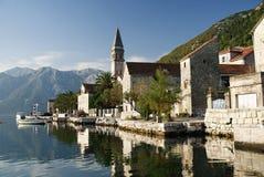 在perast村庄附近的kotor montenegro 免版税库存图片