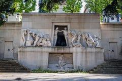 在Pere Lachaise公墓的纪念碑辅助morts在巴黎 库存图片