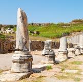 在perge老建筑亚洲火鸡专栏和罗马寺庙 库存图片