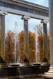 在Peterhof的狮子小瀑布 免版税库存照片