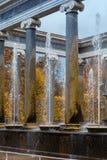 在Peterhof的狮子小瀑布 库存图片