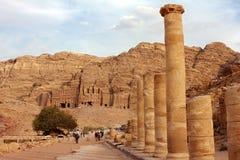 在Petra的有列柱街道 免版税库存照片