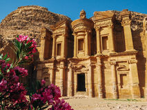 在Petra的Monastry在黄昏 免版税库存照片