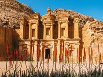 在Petra的Monastry在黄昏 库存图片
