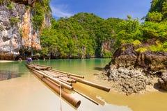 在Phang Nga海湾的竹木筏 免版税库存照片