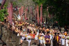 在Phanom阶节日2014年泰国的历史游行再制定 免版税库存照片