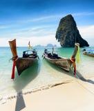 在Phra Nang的泰国小船靠岸,泰国 图库摄影