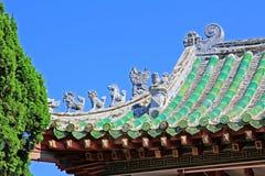 在Phuoc Kien礼堂会安市,越南的屋顶艺术联合国科教文组织世界遗产名录 免版税图库摄影