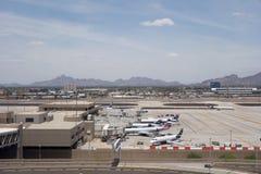 在PHX, AZ的美国航空 库存照片