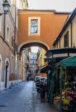 在Piazza台尔Popolo附近的胡同 图库摄影