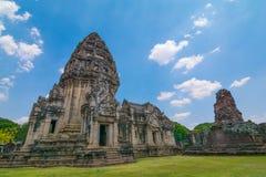 在Pimai城堡、历史公园和古老城堡的石纪念碑在呵叻府在泰国 免版税库存照片