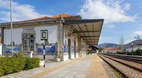 在Pinhao,杜罗河谷,葡萄牙的火车站的Azulejos 免版税图库摄影