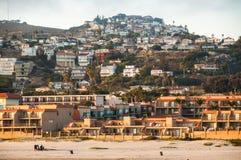 在Pismo海滩码头的太阳设置 免版税库存照片