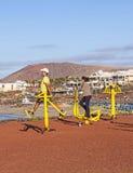 在Playa布朗卡,兰萨罗特岛的健身斑点 免版税库存图片