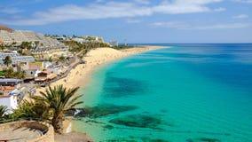 在Playa del Matorral靠岸在Morro Jable,费埃特文图拉岛,西班牙 免版税库存图片