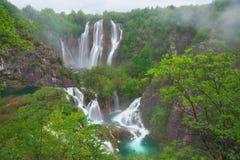 在Plitvice湖,克罗地亚的bigest瀑布Veliki掴 免版税库存图片