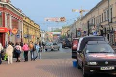 在Podil,基辅的Petr Sagaidachny街道 免版税库存照片