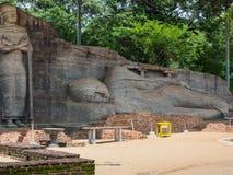 在Polonnaruwa古城,斯里兰卡的斜倚的菩萨图象 免版税库存图片
