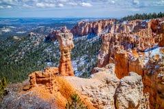 在Ponderosa点的红色岩石不祥之物在布莱斯峡谷国家公园,犹他 库存图片