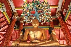 在Pong sanook寺庙的菩萨雕象在Lumpang,泰国 库存图片