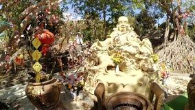 在Pongour瀑布附近的雕象在越南 离大叻市估计不远50 Km dalat?? 影视素材