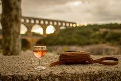 在Pont du加尔省-法国的黄昏 免版税库存照片