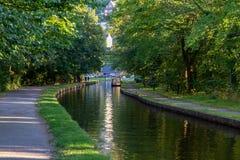 在Pontcysyllte渡槽,雷克瑟姆,威尔士,英国附近的运河 库存照片