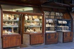 在Ponte Vecchio的首饰店 图库摄影