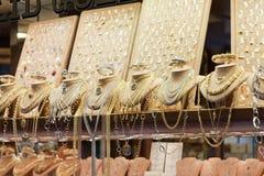 在Ponte Vecchio的首饰店 库存图片