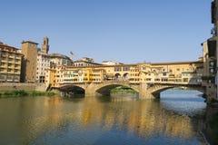 在Ponte Veccio的美丽的景色在佛罗伦萨,意大利 库存图片
