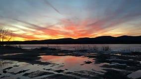 在Pontoosuc湖的日落在Pittsfield, MA 免版税库存照片