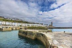在Porthlevan历史的口岸入口的佳能 免版税库存图片