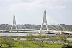 在portimao葡萄牙附近的桥梁 库存照片