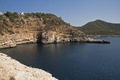 在Portinatx的海湾在海岛伊维萨岛上 免版税图库摄影