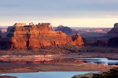 在powell日落的湖 库存图片