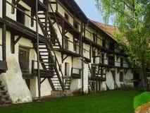 在Prejmer,罗马尼亚入蜂巢住宅,被加强的教会 免版税库存图片